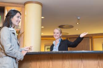 image de réception d'hôtel pour illustrer notre Formation Les fondamentaux de la gestion de la relation client